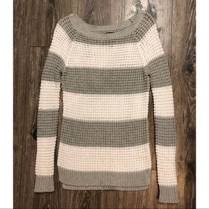 American Eagle Outfitters Sweaters - 💥2/$14💥 Grey and white knit sweater